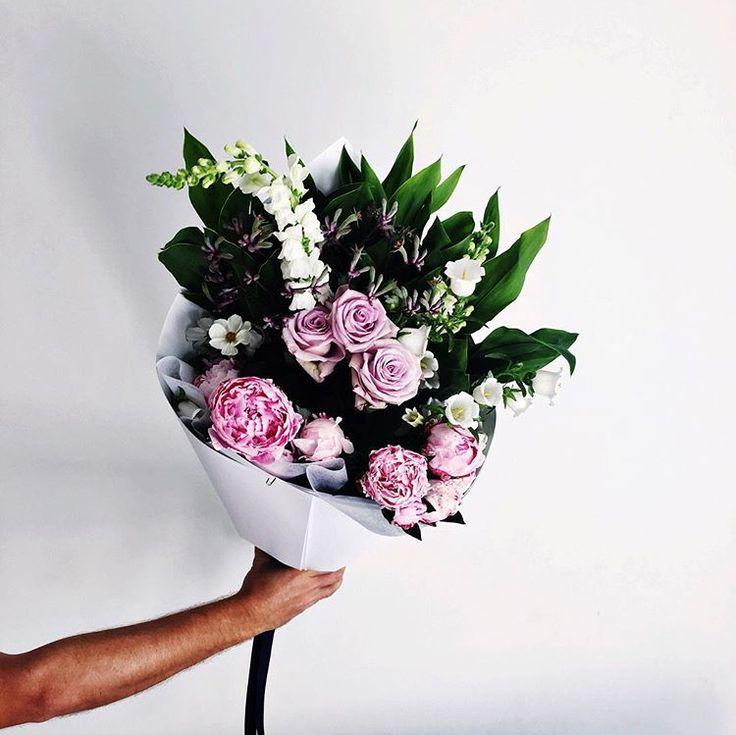 9 Instagram Accounts to Follow to Feed Your Floral Obsession via @MyDomaineAU | www.myflowerman.com.au | @myflowerman