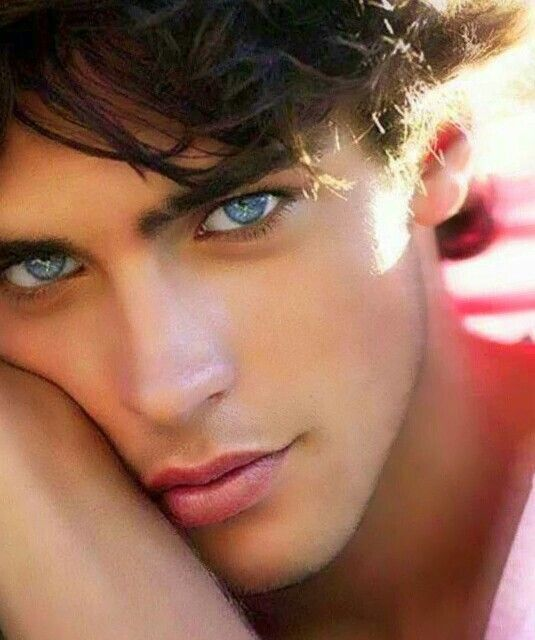 PHOTOS: The Most Beautiful Blue Eyed Men in the World