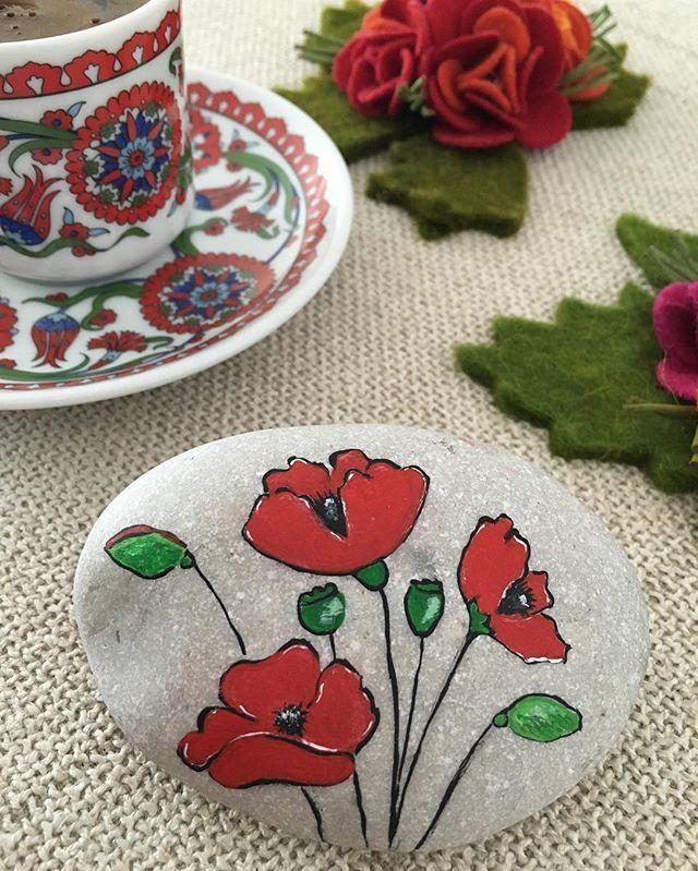 gelincik eşliğinde türk kahvesine buyrun❤️ #taşboyama #stonepainting#türkkahvesi…