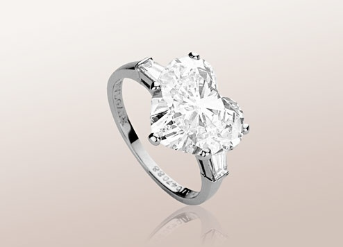 this is the perfect ring for me i love heart shaped diamonds with platinum bands find this pin and more on bulgari engagement rings