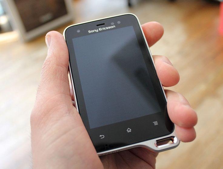 Sony Xperia Active ST17i  Sayang harus diganti karena microphonenya berdengung :( Sekarang mengabdi jadi MP3 playerku
