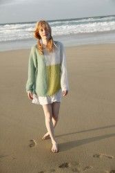 Свободный пуловер цветными блоками