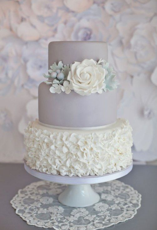 small wedding cakes for winter with flowers