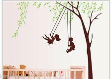 Vinilo Infantil Niños en el Arbol Pegatinas decorativas infantiles de árboles. Modelo con amplias posibilidades,usted podría perfectamente decorar un cuarto para un bebé o colocar esta pegatina en un salón,dándole un cierto aire de nostalgia infantil.