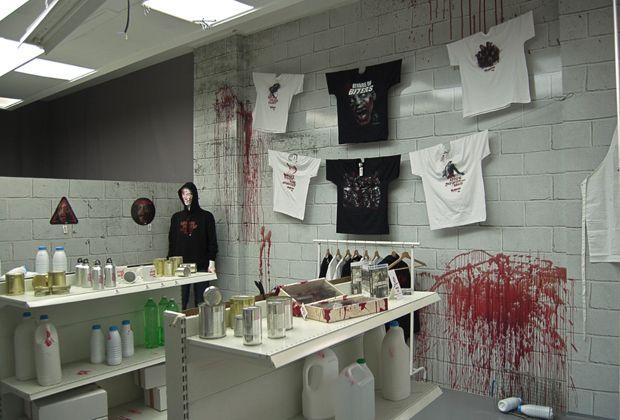 """The Walking Dead Bloodstore – A primeira loja onde o """"dinheiro"""" é o seu sangue."""