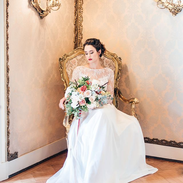 Southern Snow Queen for a day! Timeless and classic in pearls and lace. Jewellery: @freerangejewels Photography by @laurenp.photog | Styling by @happinestweddings | Florals by @bouwerflowers | Dress by @cindy_bam | Makeup by @leannorman_makeup_skincare |
