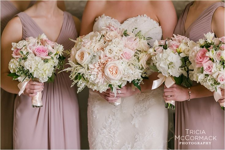 Love these romantic, #bouquets in soft pinks and white by Carolyn Valenti Flowers #berkshirewed #berkshireweddingcollective #weddingflorist #florist