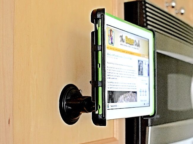 Coolest Gadget: iPad-Kindle Mount