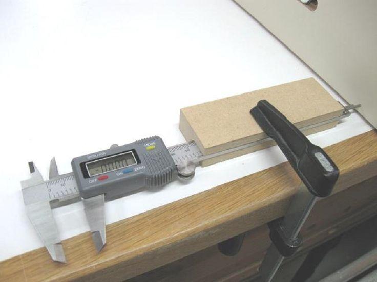 Make a Fence Fine Adjustment Tool / Fabriquer un outil de micro-réglage pour guides