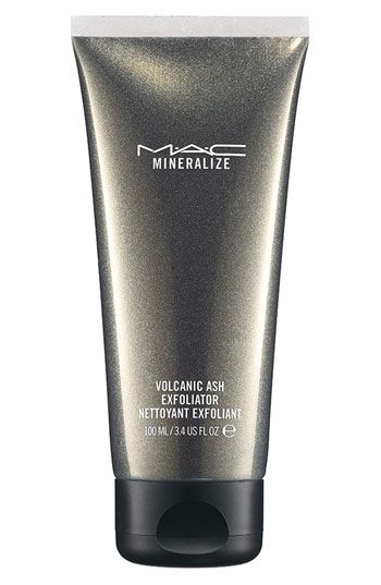 WANT TO TRY THIS!!!   M·A·C 'Mineralize' Volcanic Ash Exfoliator