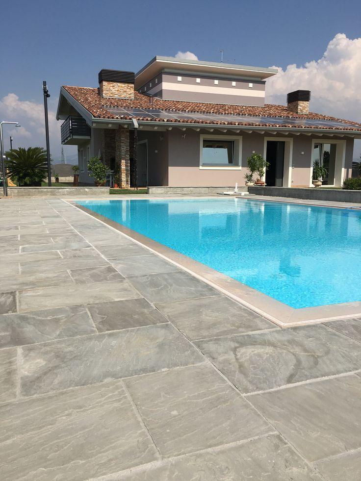 #solarium #piscina realizzato in #quarzite #grigia #jaipurpietre