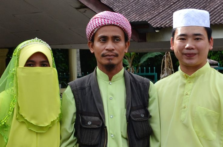 Why would Mohd Lotfi Ariffin leave his wife and children behind in Malaysia in search of martyrdom in Syria?
