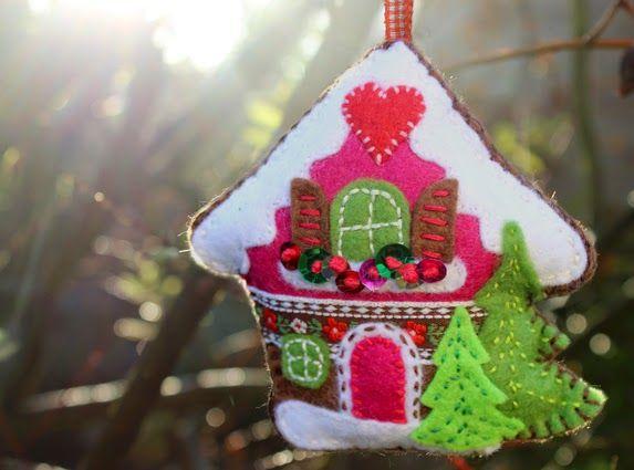 filz, vilt, felt, fieltro, alpine, alps, alpen, tirol, oostenrijk, zwitserland, swiss, austria, berghut, almhut, almhutte, souvenir, kasthanger, tassel, sleutelhanger, kerst, kerstdecoratie, weihnachten, christmas, x-mas, navidad, huis, casa, house, hause, hut, borduren, embroidery, sticken, patroon, pattern, free, gratis, handwerken, handicraft, nahen, handwerkjuffie, stephanie, stephanie haytink, download, downloadable, decoration, decoratie, ornament, tyrolean, winter, karnten, tyrol…