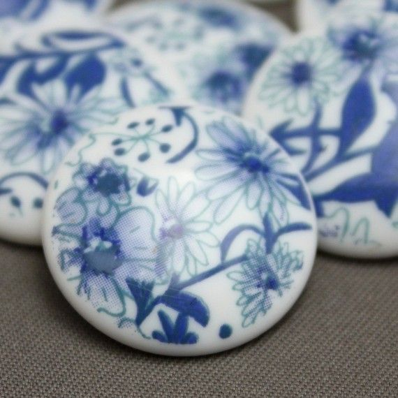 Vintage Lucite Floral Blue and White Cabs by ReductionNation