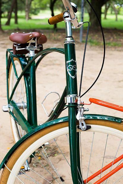 Bicicleta Urbana Maré, estilo retrô / vintage, marca Art Trike, verde escuro, masculina, design diferente, emblema