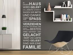 Entdecken Sie Bei Uns Den Tollen Wandtattoo Spruch In Diesem Haus Wird  Gelebt... Als Wanddekoration Für Ihre Wohnung.