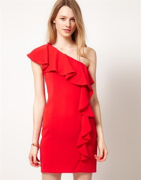 Красное платье по плечам купить