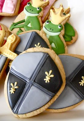 .Oh Sugar Events: Royal shield Cookies
