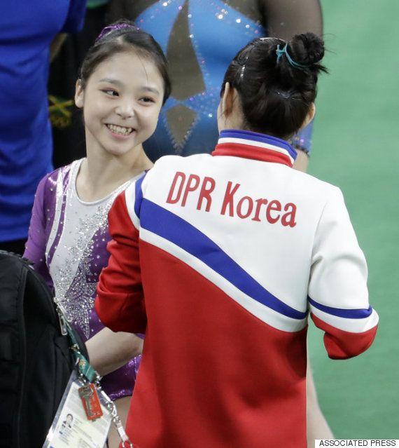 体操女子の韓国人選手と北朝鮮選手がともに言葉を交わし、仲良くセルフィーを撮る姿が話題となった。リオデジャネイロオリンピック・リオ五輪2016