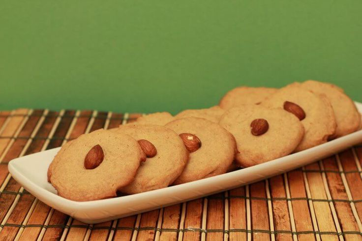 800xNxsugar-free-almond-butter-cookies.jpg.pagespeed.ic.R8FRFhG6WI