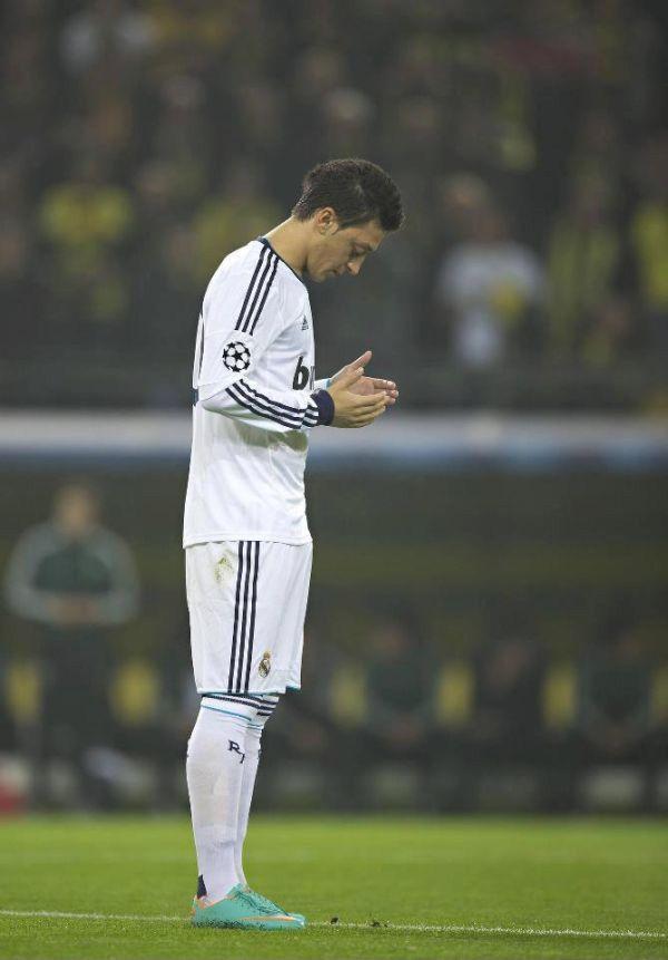 #MesutOzil #RealMadrid #Pray