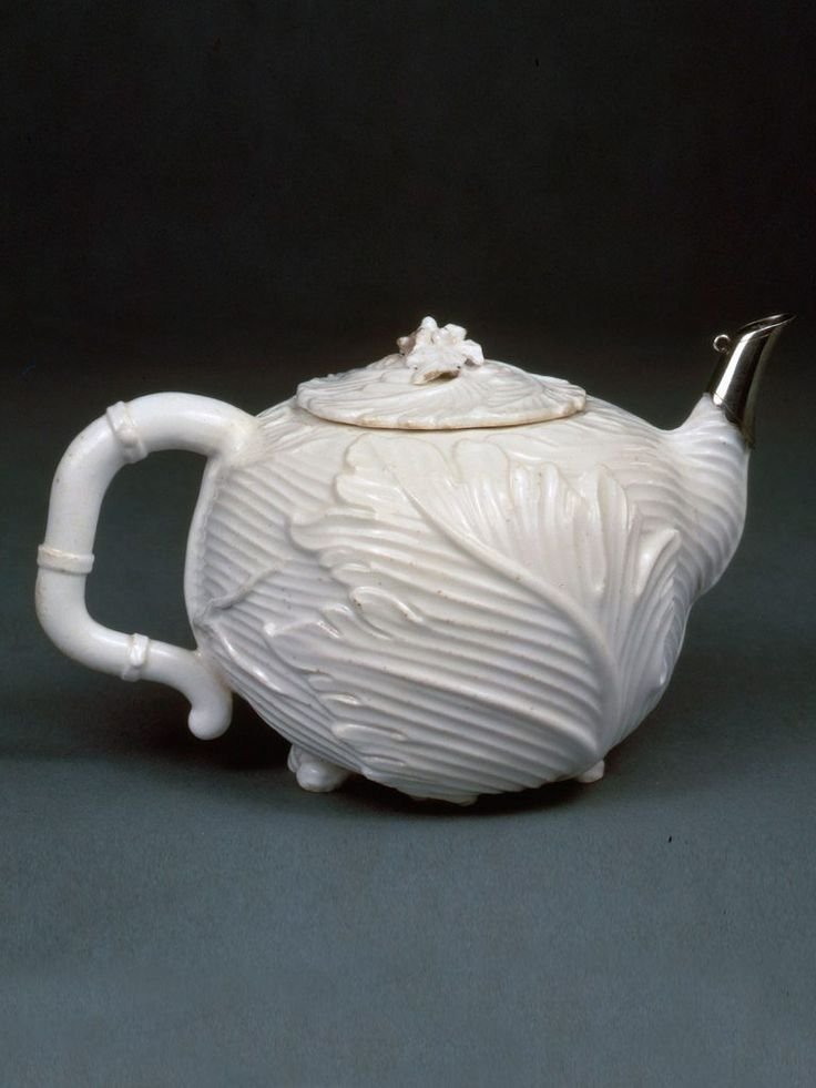 Chelsea Acanthus Moulded Teapot and Cover circa 1745-49