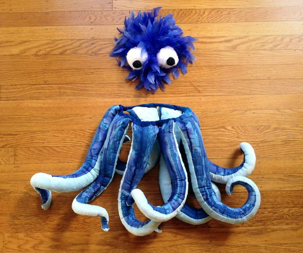 DIY - Octopus Costume - I want to try and create a Ursula costume and these legs have such life compared to other homemade octopus costumes.