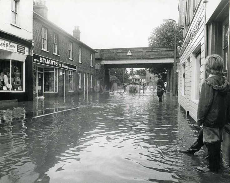 Bexley Village flood 1977