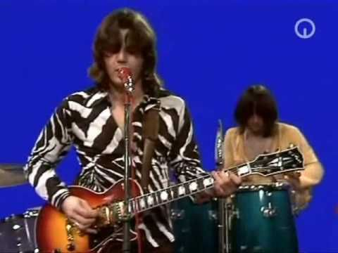 ▶ Steve Miller - Space Cowboy - Fly Like an Eagle was Huge!! Fall '76... Every song was a hit and Steve was always on the radio when we were cruising.  Boz Scaggs played guitar at the show I saw.  He teaches music right down the road now at UCLA.  WOW!!