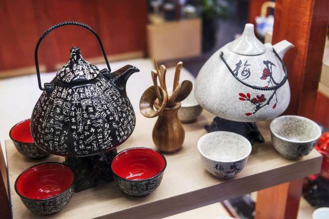 Travel BEST souvenirs: CHINA: Chinese tea sets on display ...