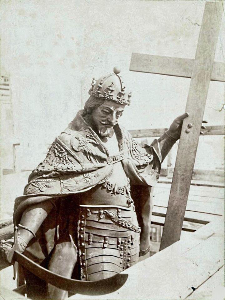 Król Zygmunt III w 1880 r. w czasie renowacji  źr.NAC