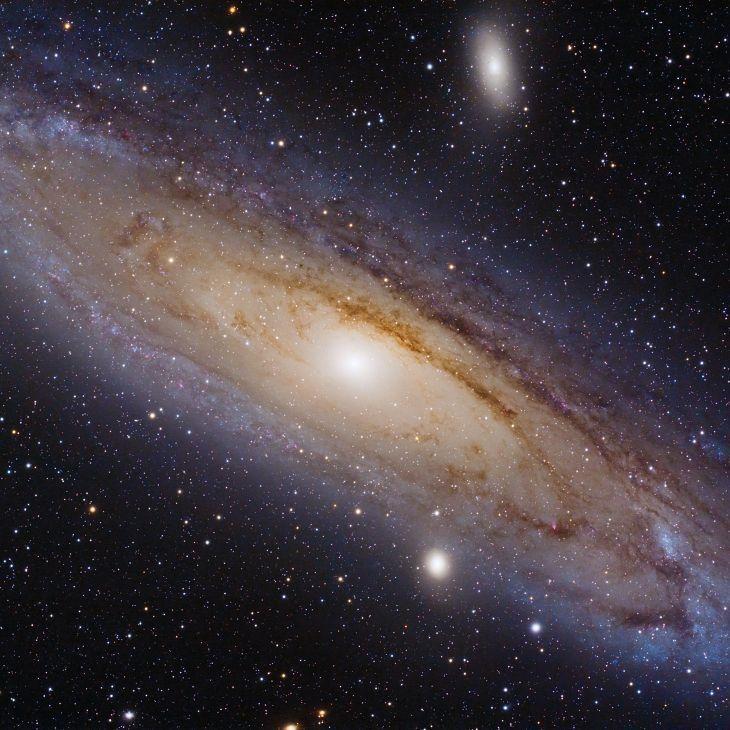38 отметок «Нравится», 1 комментариев — Astrobitácora (@astrobitacora) в Instagram: «Andrómeda es la galaxia grande más cercana a la Vía Láctea (hay galaxias satélite que son aun más…»