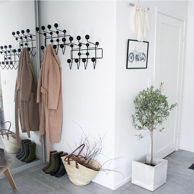 1000 ideas about vitra hang it all on pinterest eames. Black Bedroom Furniture Sets. Home Design Ideas