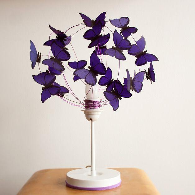 """Lámparas de mesa - Lampara de mesa con mariposas de papel """"Le... - hecho a mano por Marcela-Delacroix en DaWanda"""