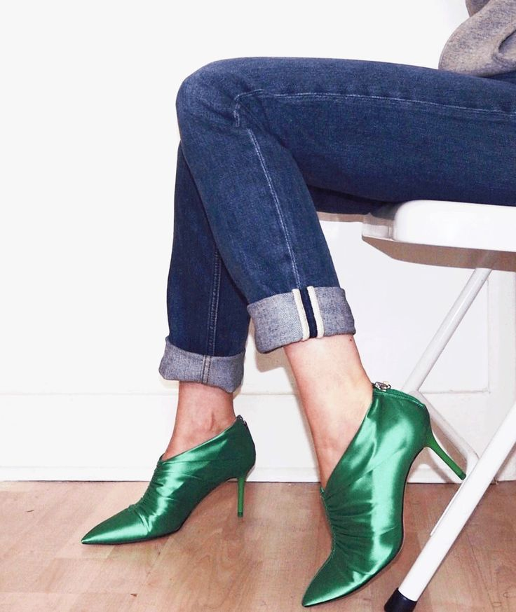 girls just wanna have green shoes http://gabriellalundgren.com/girls-just-wanna-have-green-shoes Green silky heels from Zara, my favorites right now! Denim from Acne Studios line Blå Konst style South.