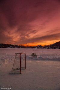 A Quintessential Canadian moment, hockey on a frozen lake in Winter. #DiscoverOntario #ExploreCanada