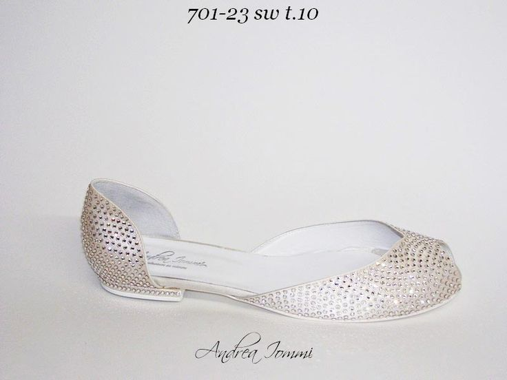 scarpe sposa con tacco basso.  www.andreaiommi.it ‪#‎shoes‬ ‪#‎wedding‬ ‪#‎satin‬ ‪#‎Swarovski‬ ‪#‎fashion‬ ‪#‎bridal‬ ‪#‎scarpe‬ ‪#‎sposa‬ ‪#‎cerimonia‬ ‪#‎online‬ ‪#‎shoegasm‬ ‪#‎shoeporn‬ ‪#‎shoefetish‬ ‪#‎shoelove‬ ‪#‎shoeobsession‬ ‪#‎shoeblog‬ ‪#‎highheels‬ ‪#‎killerheels‬ ‪#‎stilettos‬ ‪#‎tacchietacchi‬ ‪#‎heels‬ ‪#‎feet‬ #fashion ‪#‎fashionblogger‬