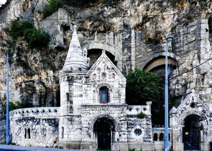 Cave Church Budapest view from Liberty bridge  #living_europe #budapest #budapeste #vscobudapest #ig_budapest #loves_hungary #budapestagram #architecture #archilovers #igersbudapest #hungary #cityphotography #ighungary #europe #cityscape #cityview #loves_landscape #ig_europe #europa #super_europe #travel #traveladdict #loves_europe #travelphotography