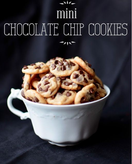 Mini Chocolate Chip Cookies, super chewy, itty-bitty, little baby cookies.