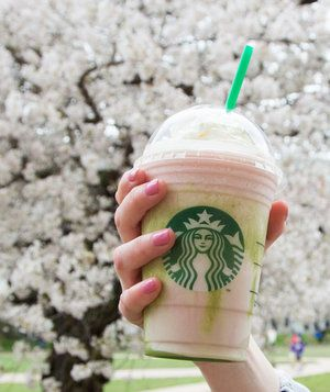 Starbucks's Cherry Blossom Frappuccino is fruity, springy, and totally Instagrammable.