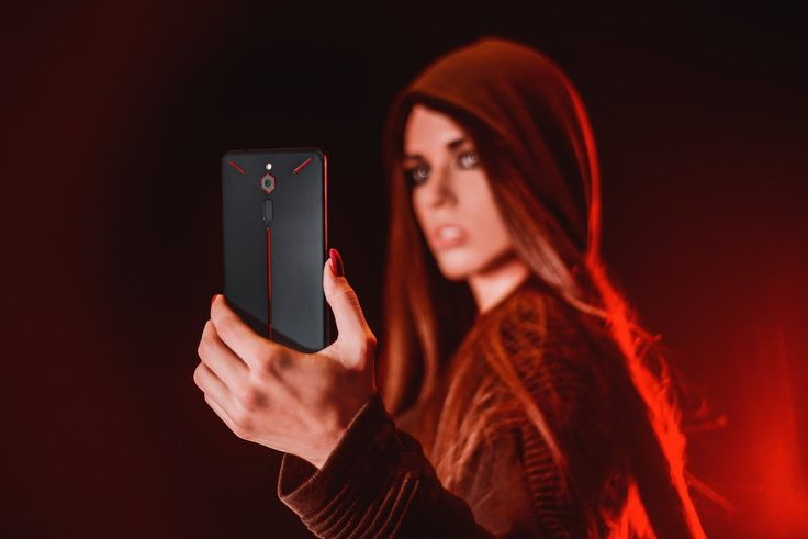 Nubia Red Magic Gaming Smartphone Launched Specifications Price. he smartphone runs onAndroid 8.1 Oreooperating system out-of-the-box and is powered by a 3,800mAh battery which can provide up to 7 hours of gameplay on a single charge.