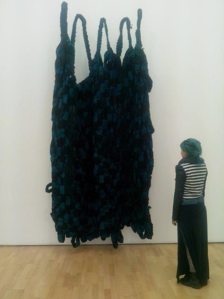 """Olga de Amaral """"Muro tejido No. 98"""" 1972 - Tapiz, fibra vegetal y animal."""