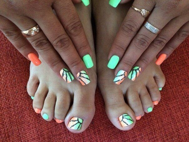Black pattern nails, Bright lime nails, Bright orange nails, Gradient nail art, Ideas of gradient nails, Lime nails, Long nails, Matte nails