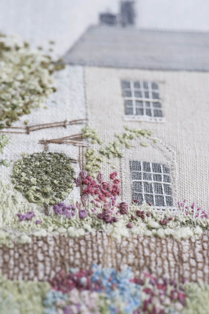 EMBROIDERY   The Embroidered House - Caroline Zoob  
