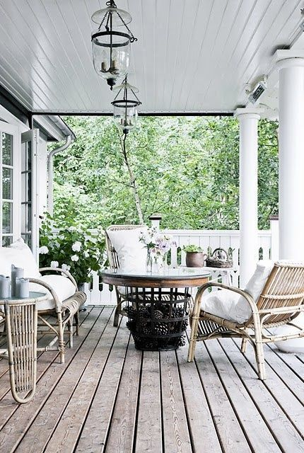 SUMMER WHITES - Mark D. Sikes: Chic People, Glamorous Places, Stylish Things