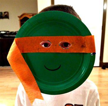 Maschera da tartaruga ninja con piatti carta