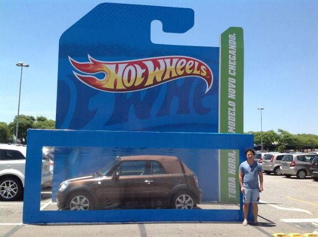 Hot-Wheels parking