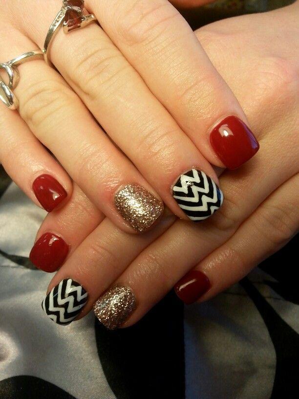 Shellac nails by desta/ Chevron/ nail art/ red and gold/ Christmas nails