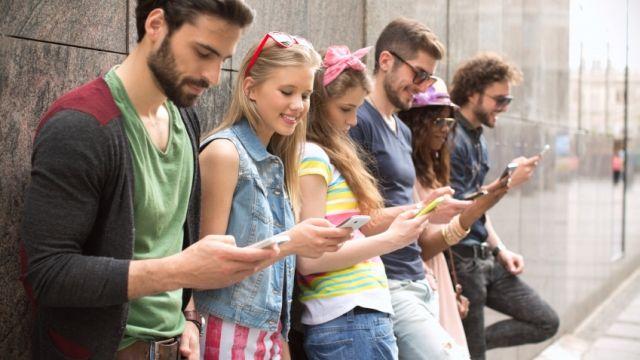 Is social media really as social as it seems? | LearnEnglishTeens