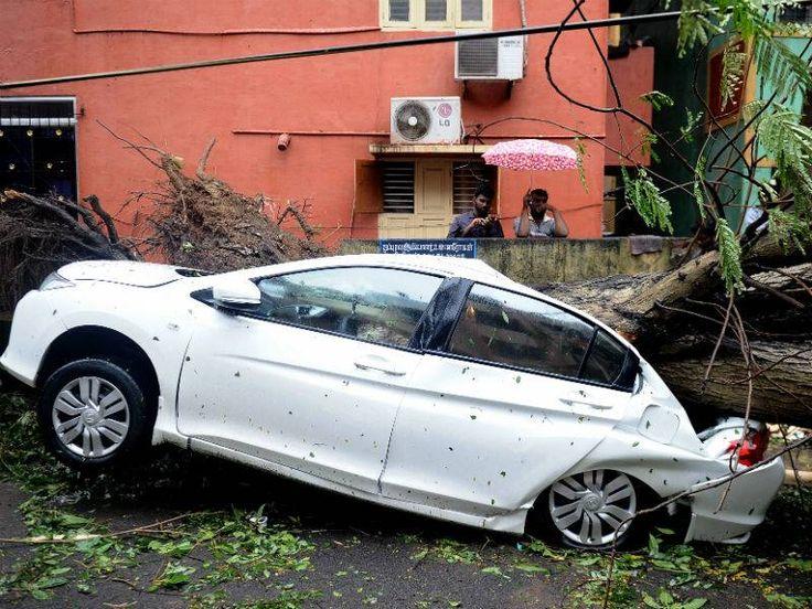 Cyclone Vardah wreaks havoc on Chennai | Natural Calamity | Pinterest | Chennai